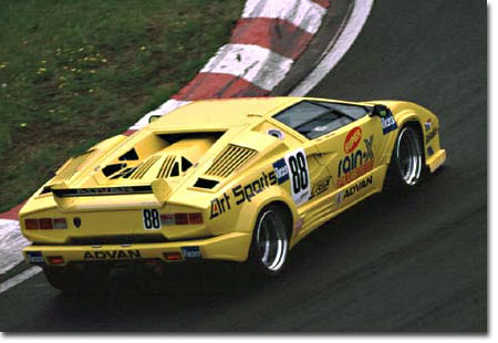 Successive Racing Cars Racing Countach